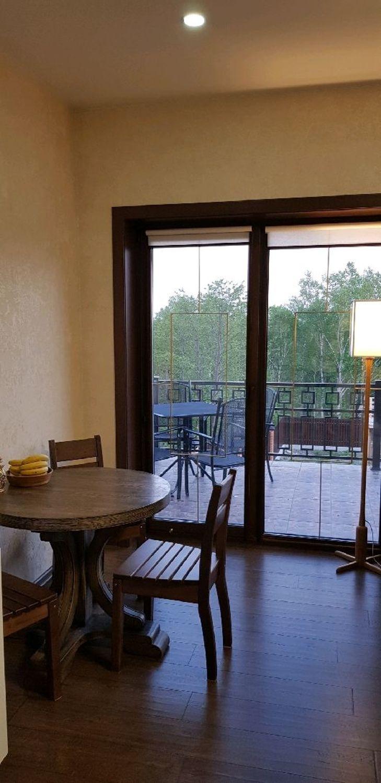 Фото №1 к отзыву покупателя Наталья о товаре Дизайнерский круглый обеденный стол из массива №6