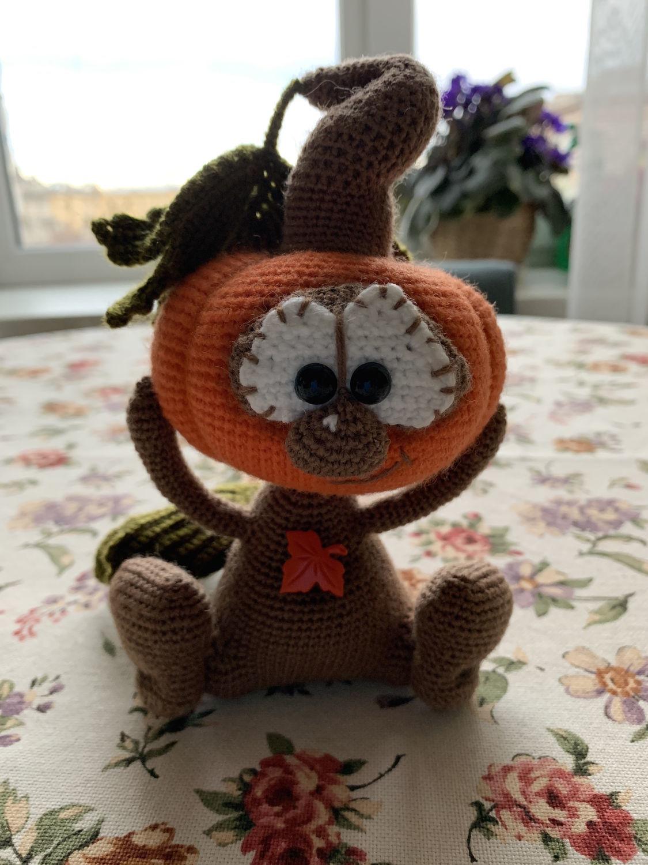 Фото №1 к отзыву покупателя Быкова Анна о товаре Вязаная интерьерная игрушка сувенир на Хэллоуин вязаная тыква Тыковки