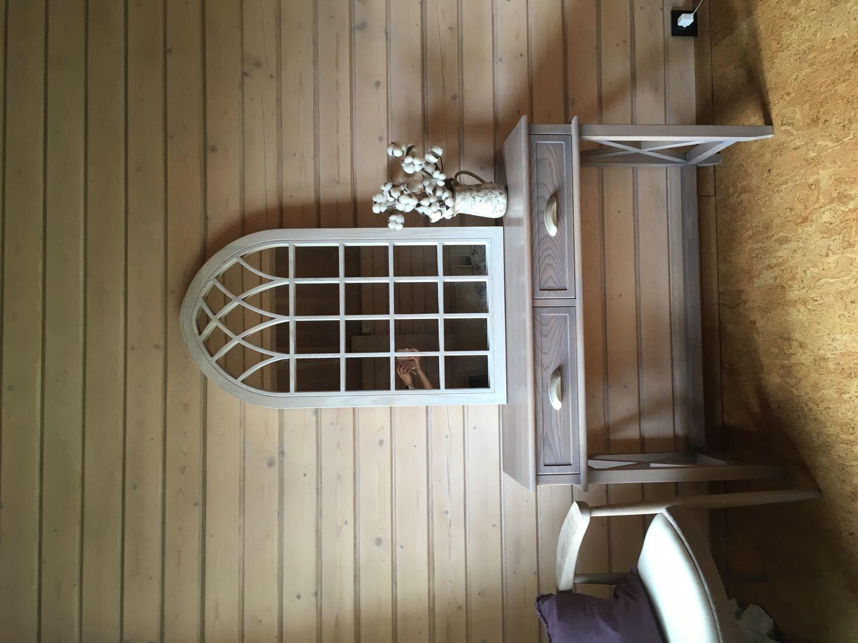 Фото №1 к отзыву покупателя Олеся Савинкова о товаре Стол письменный из массива дерева для кабинета №1 классика