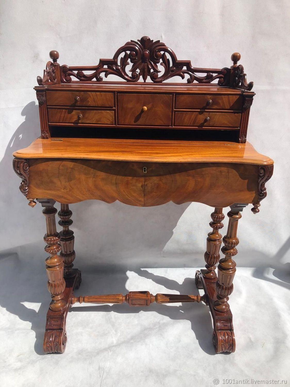 Фото №1 к отзыву покупателя ТатьЯна о товаре Винтаж: Дамский столик секретер.
