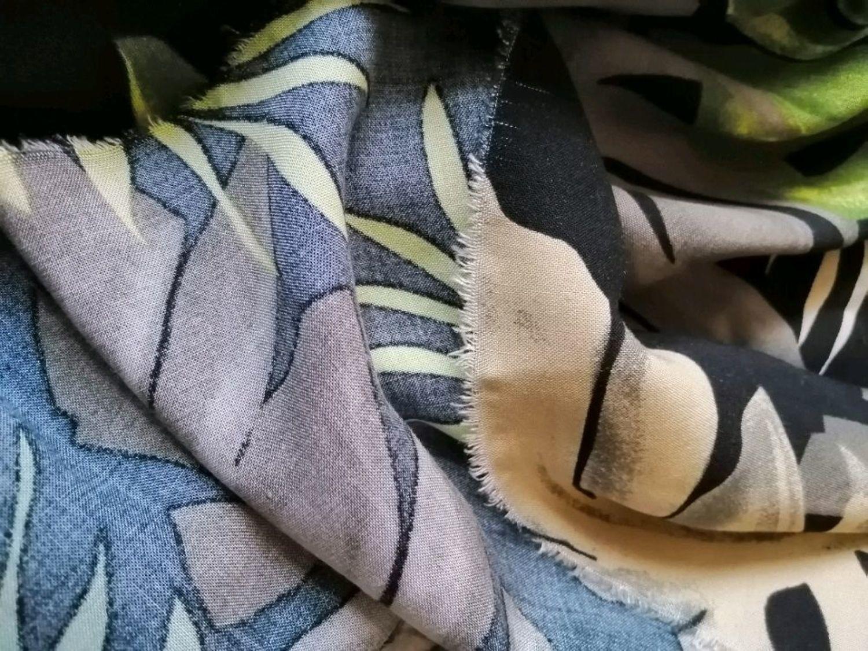 Фото №2 к отзыву покупателя Бессолицына Дарья о товаре Штапель Монстера зеленая на черном