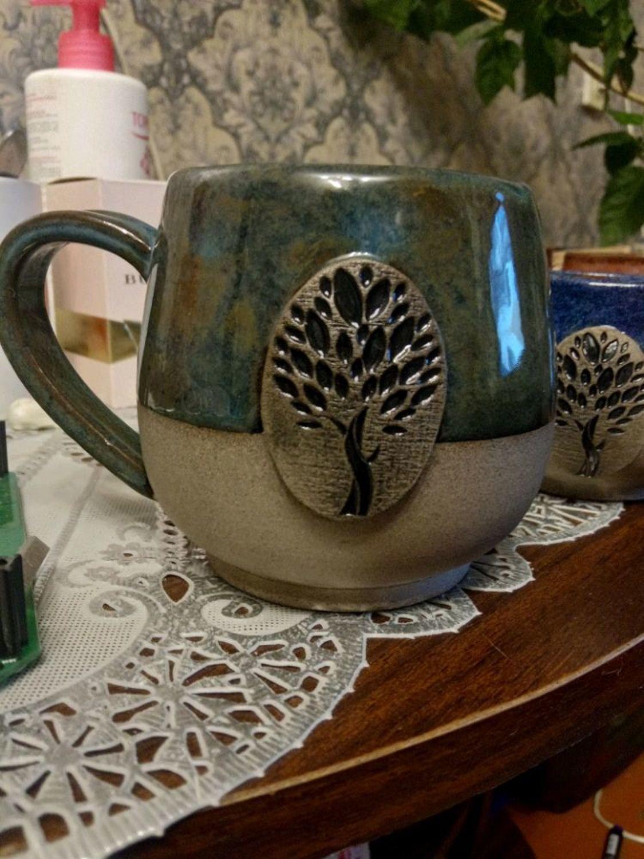 Фото №3 к отзыву покупателя Дарья о товаре Кружка керамическая ручной работы Медь и Мята