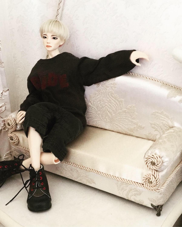 Photo №1 к отзыву покупателя Anna о товаре Мебель для кукол: Диван для куклы 50- 70 сантиметров