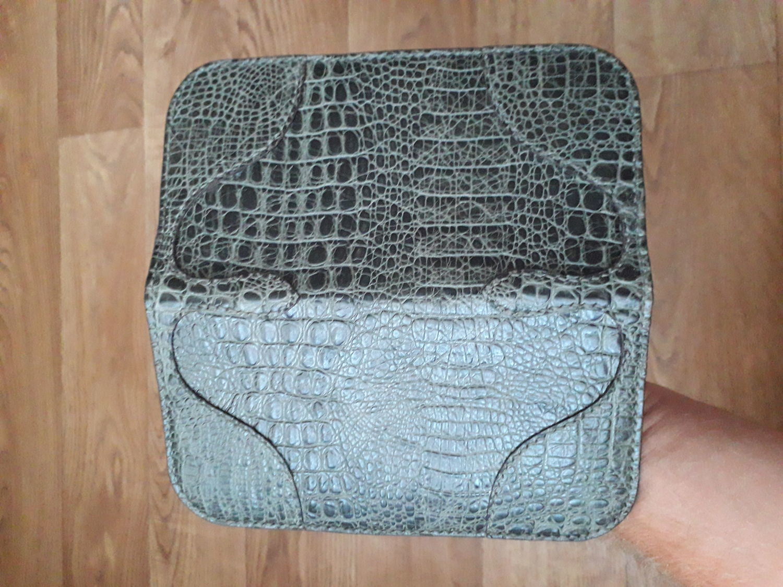 Photo №4 к отзыву покупателя ESofi (V.O.S.E.) о товаре Портмоне из кожи с тиснением под крокодила