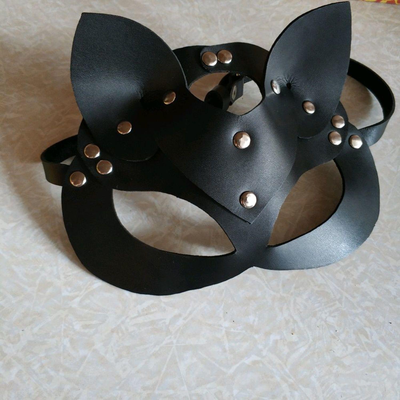 Photo №1 к отзыву покупателя Rodina Kristina о товаре Кожаная маска кошки или зайчика