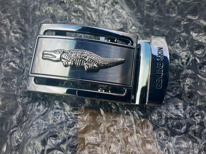 Photo №2 к отзыву покупателя Buryak Igor о товаре Пряжка автомат из нержавеющего металла, с гравировкой крокодила.