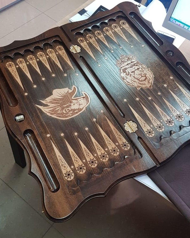 Photo №4 к отзыву покупателя Oksana о товаре Нарды резные ручной работы «Лев и Орел 1»Арт.057