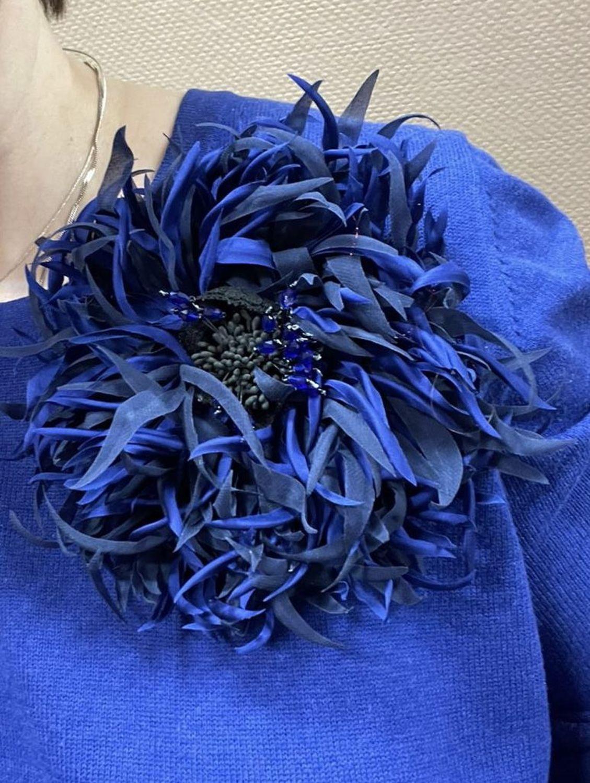Фото №1 к отзыву покупателя Оксана о товаре Брошь цветок