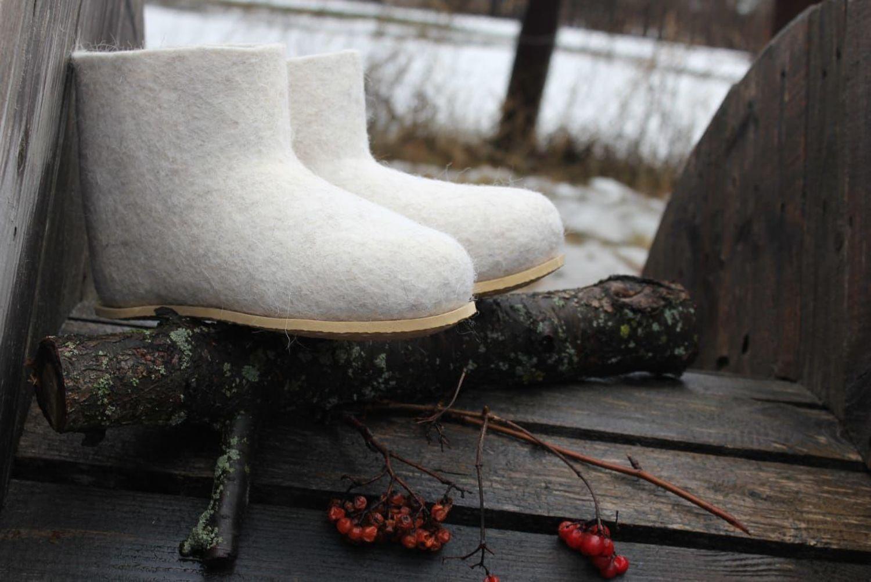 Photo №1 к отзыву покупателя Svetlana Emelina о товаре Чуни на подошве с вышивкой