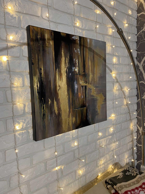 Фото №1 к отзыву покупателя Зинаида о товаре Абстракция акрилом на 3D холсте с золотой поталью. Вольная копия