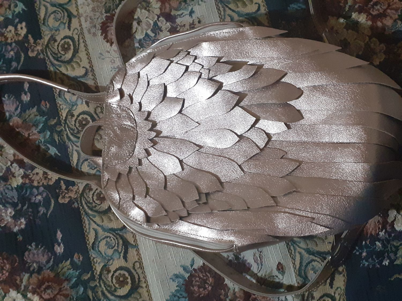 Фото №1 к отзыву покупателя Софи о товаре Рюкзак Крылья Лотос розовое золото