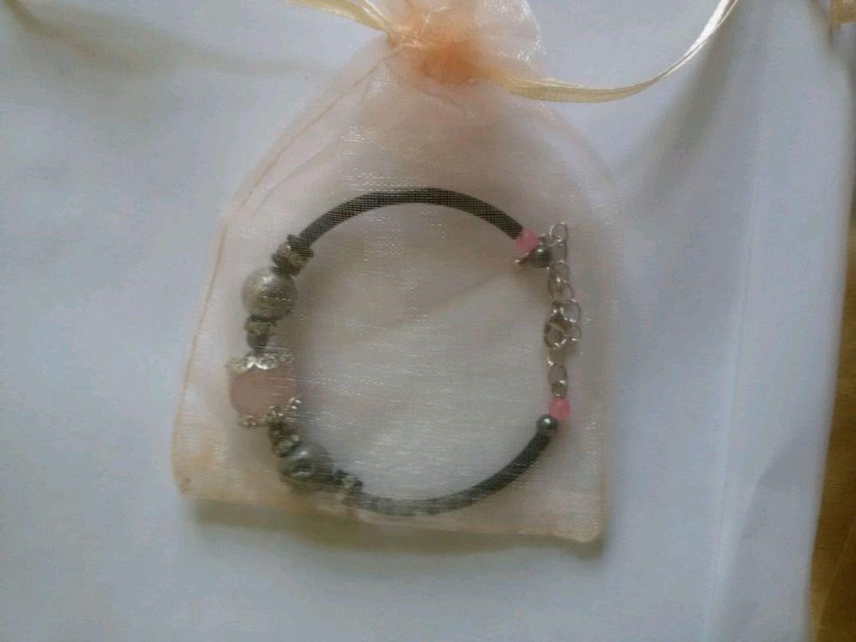 Фото №1 к отзыву покупателя Екатерина о товаре Браслет с розовым кварцем и жеодой агата.