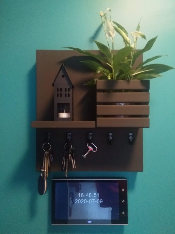Photo №1 к отзыву покупателя Plyusnin Maksim о товаре Ключница настенная белая для ключей