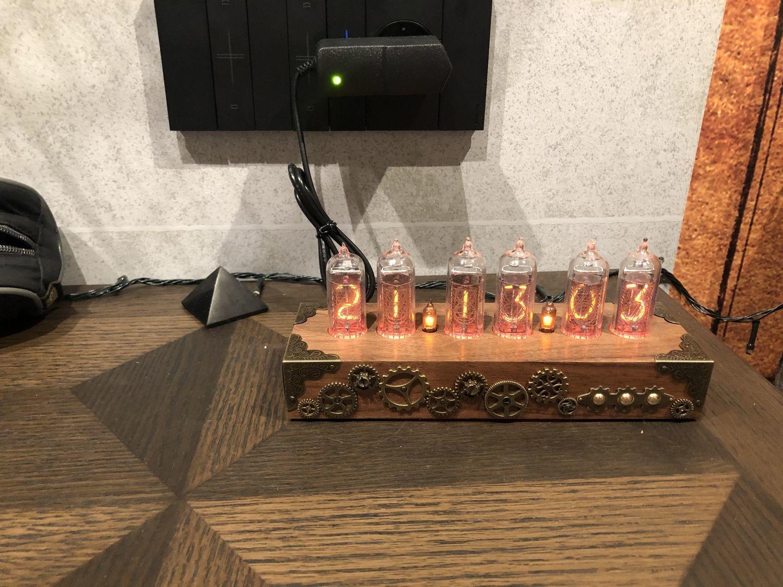 Photo №2 к отзыву покупателя Ivanovskaya Yuliya о товаре Ламповые настольные часы «Walnut SteamPunk Bronze 6»