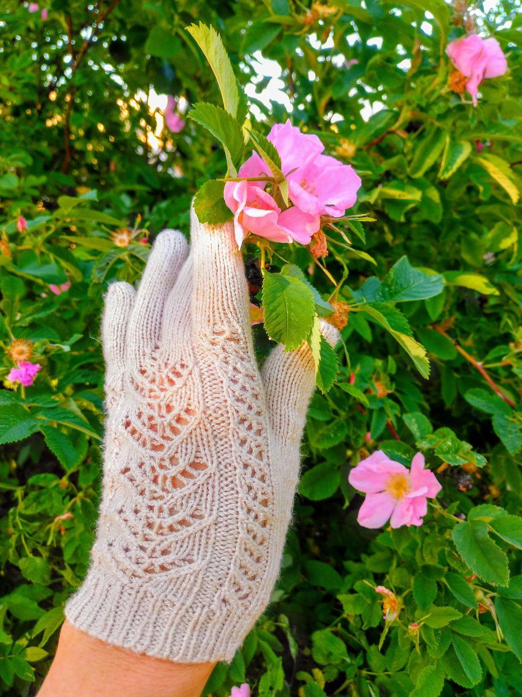 Photo №1 к отзыву покупателя Yuliya о товаре Перчатки  летние ажурные  бежевые