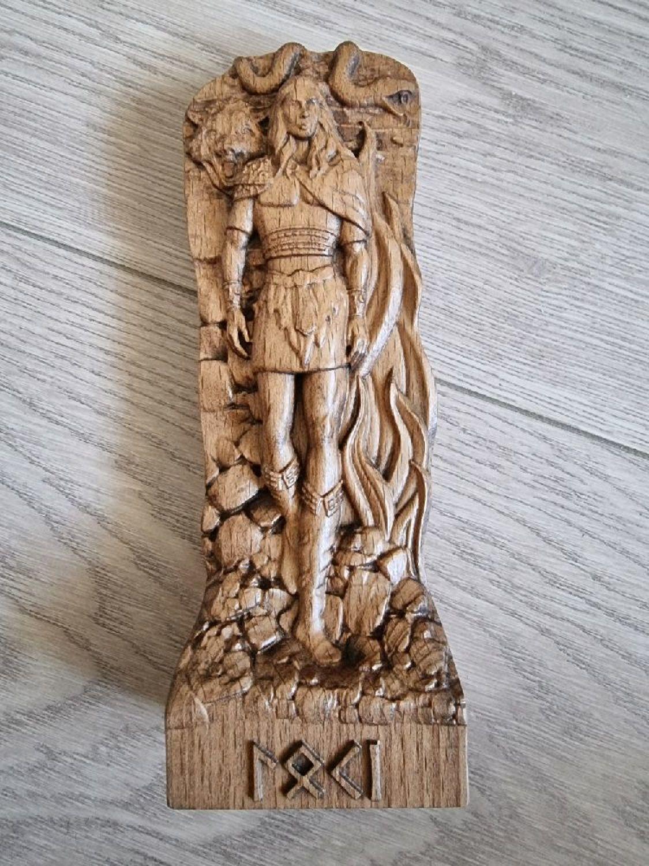 Photo №1 к отзыву покупателя WildFox о товаре Локи, деревянная статуэтка, Скандинавский бог