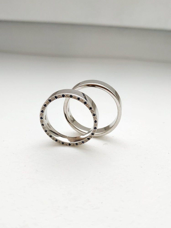 Photo №1 к отзыву покупателя Aleksandra Strebkova о товаре Парные обручальные кольца с камнями, мужское и женское серебро (Об4)