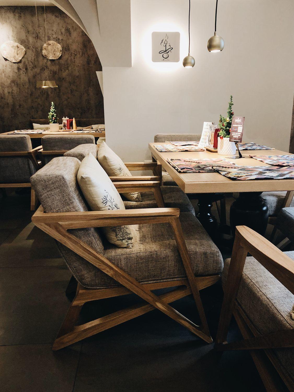 Фото №1 к отзыву покупателя Lila-art о товаре Дизайнерский стул из массива