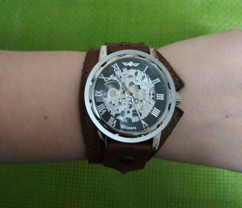 Фото №1 к отзыву покупателя Юлия о товаре Часы наручные женские Form