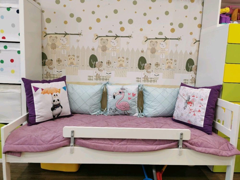 Фото №2 к отзыву покупателя Кузьмина Наталья о товаре Комплект для подростковой кровати 5 подушек и покрывало 100*220