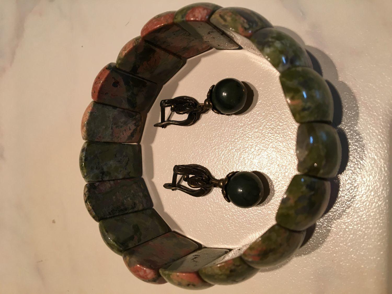 Фото №1 к отзыву покупателя Анна о товаре Браслет из натурального камня унакит и еще 1 товар
