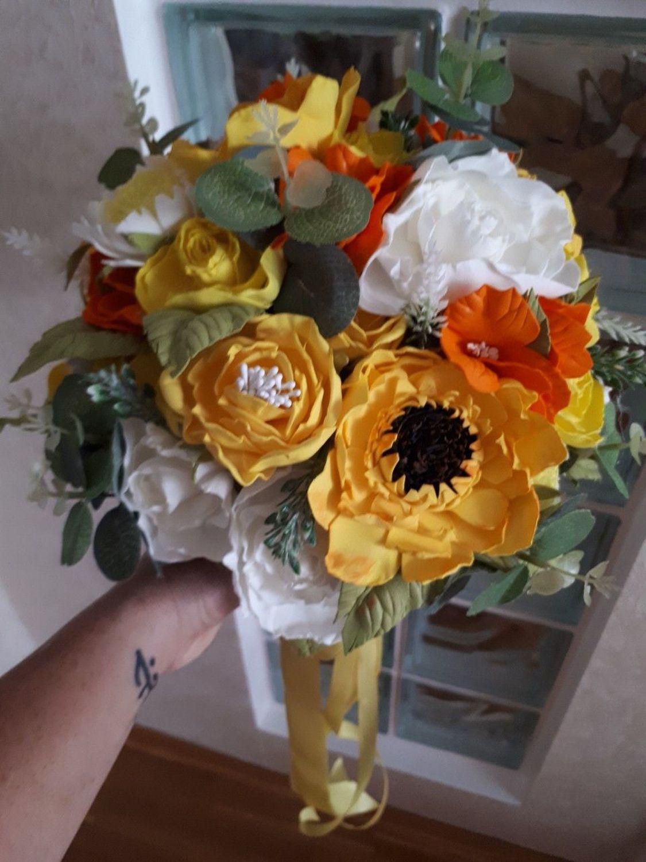 Фото №2 к отзыву покупателя Анжела Казакова о товаре Свадебный букет невесты ,букет из фоаминана ,браслет с цветами , букет и еще 1 товар