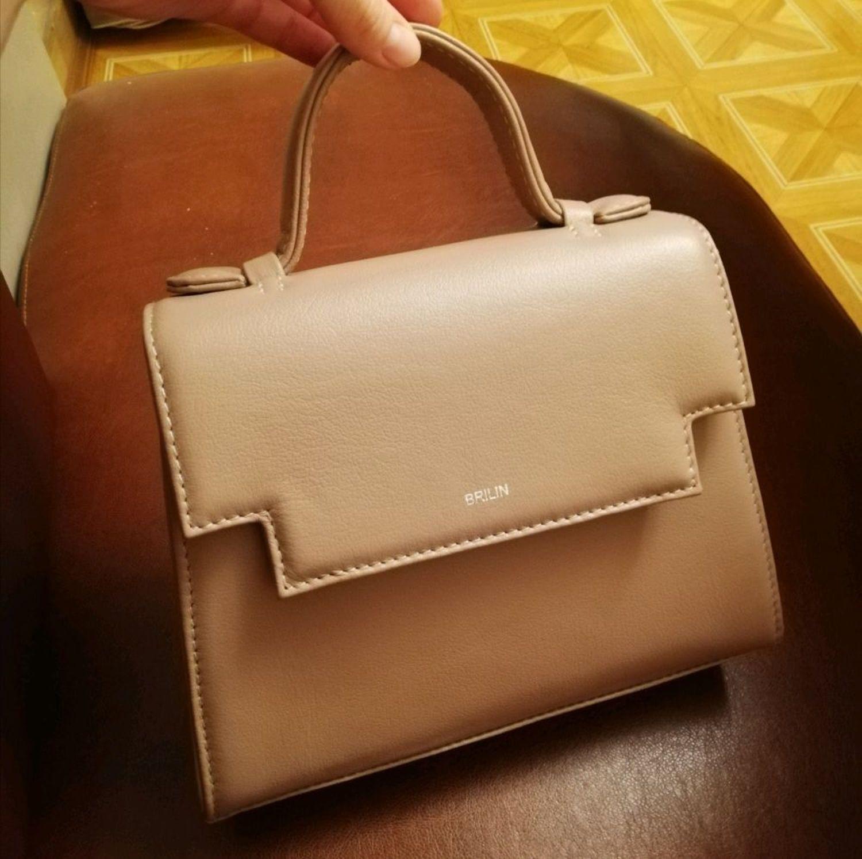 Photo №1 к отзыву покупателя Nats о товаре Сумка из натуральной кожи пудрового цвета, женская сумка через плечо