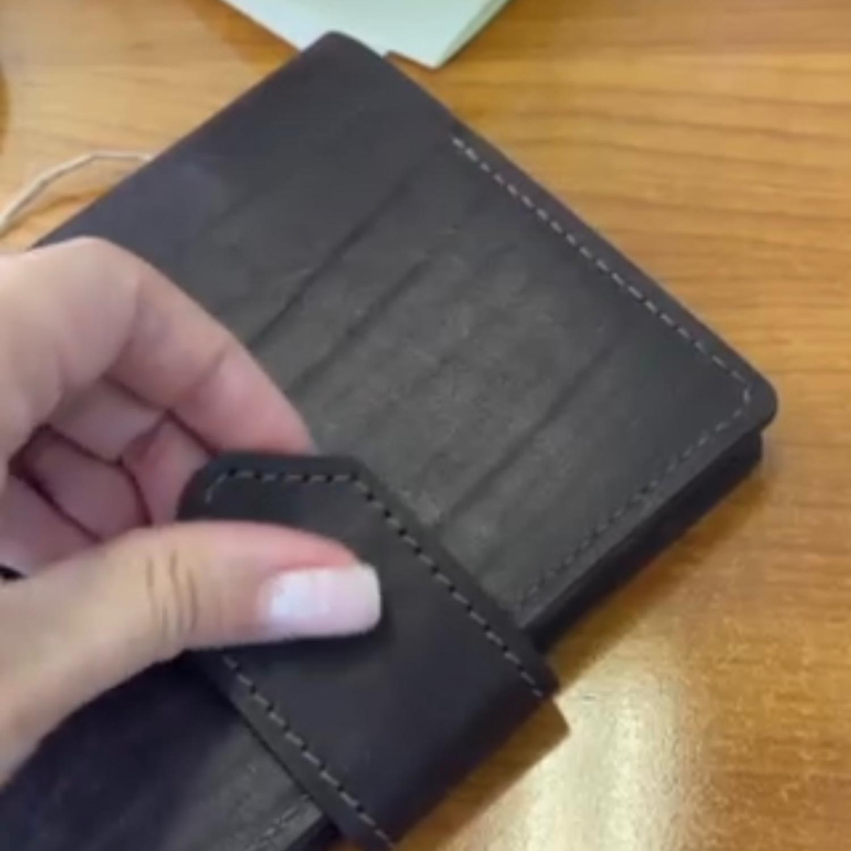 Photo №3 к отзыву покупателя Tatyana о товаре Кожаный блокнот с карманом на кольцах