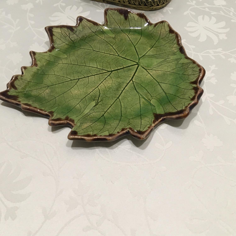 Фото №2 к отзыву покупателя Кристина о товаре Керамический гранат с тарелочкой листом