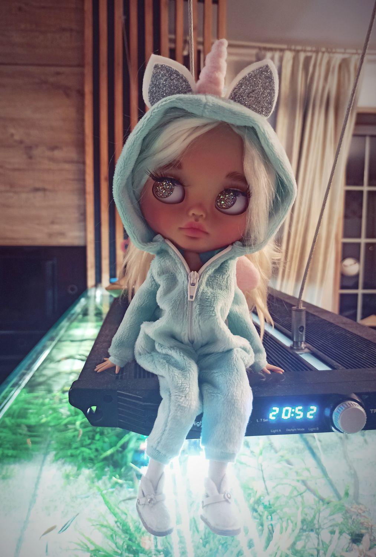 Photo №1 к отзыву покупателя Nadezhda о товаре Кукла Блайз единорог с одеждой