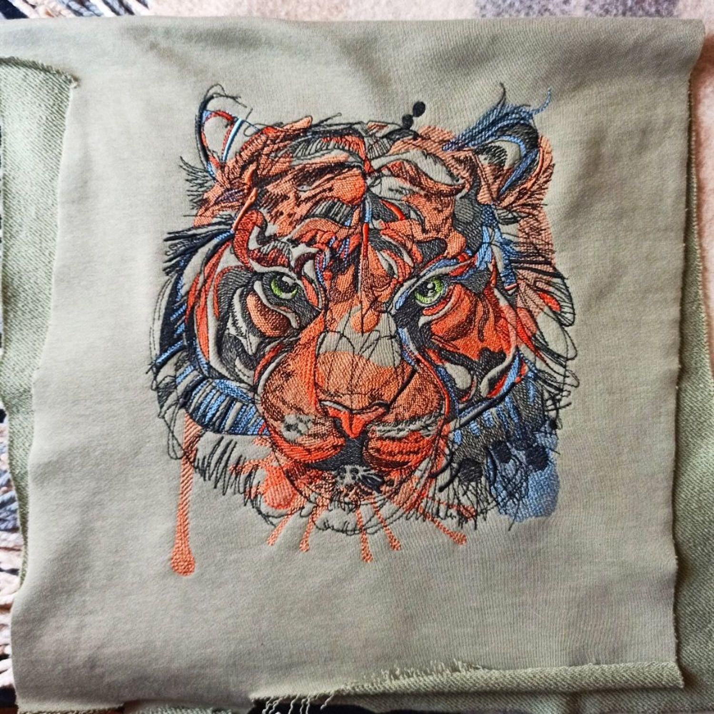 Photo №1 к отзыву покупателя Elena Parfenova о товаре Тигр. Дизайн для машинной вышивки.