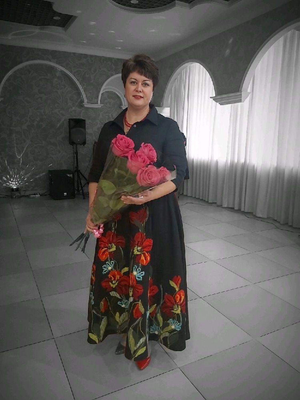 Photo №2 к отзыву покупателя Tatyana о товаре Платье на праздник Шиповник