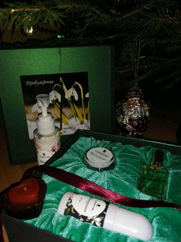 Фото №4 к отзыву покупателя Татьяна Пояркова о товаре Наборы косметики: Подарочный набор. Духи, крем для рук, дезодорант и еще 1 товар