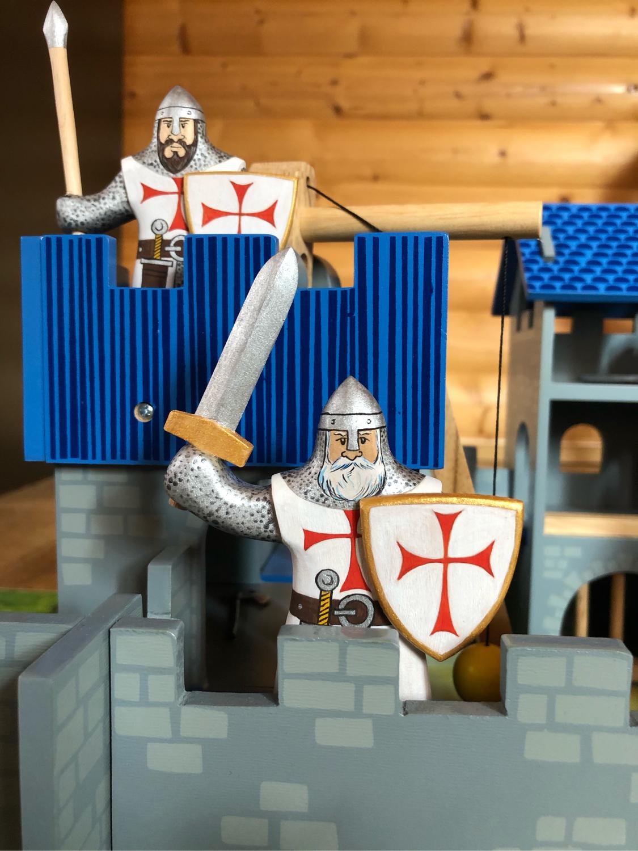 Фото №2 к отзыву покупателя Мария о товаре Военная миниатюра: Деревянный солдатик-рыцарь и еще 2 товара