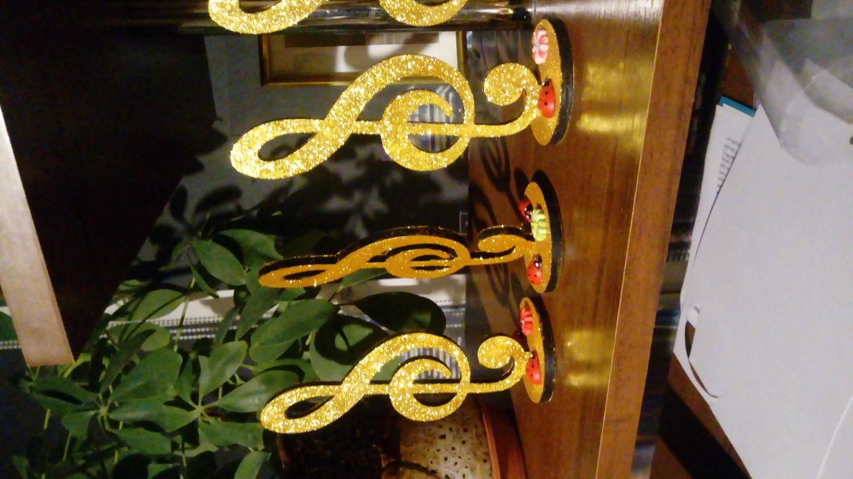 Photo №1 к отзыву покупателя Elena о товаре Скрипичный ключ на подставке