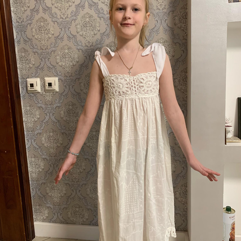 Фото №1 к отзыву покупателя Garkavy Uriy о товаре Платье для девочки, шитье, кружево ручной вязки
