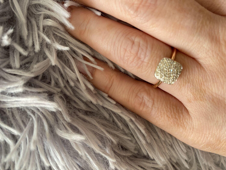 Фото №1 к отзыву покупателя Уткина Татьяна о товаре Винтаж: Золотое кольцо с бриллиантами
