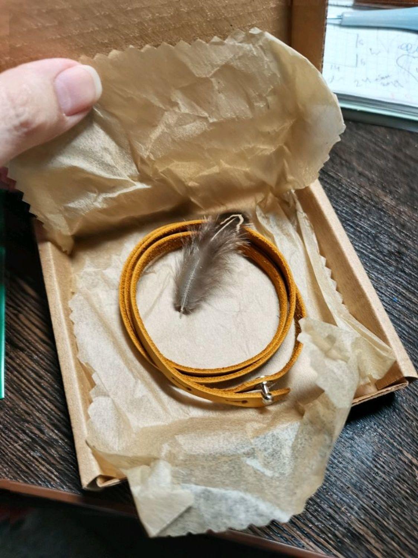 Фото №1 к отзыву покупателя Мастерская Кошамбры о товаре Кожаный браслет намотка в три оборота с регулировкой длинны
