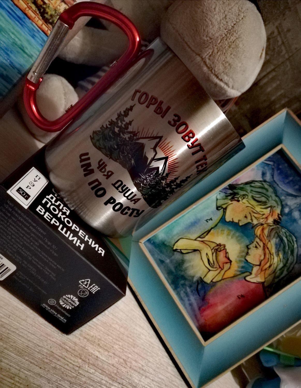 """Фото №1 к отзыву покупателя Фёдорова Евгения о товаре Кружка с карабином """"ГОРЫ ЗОВУТ ТЕХ, ЧЬЯ ДУША ИМ ПО РОСТУ"""""""