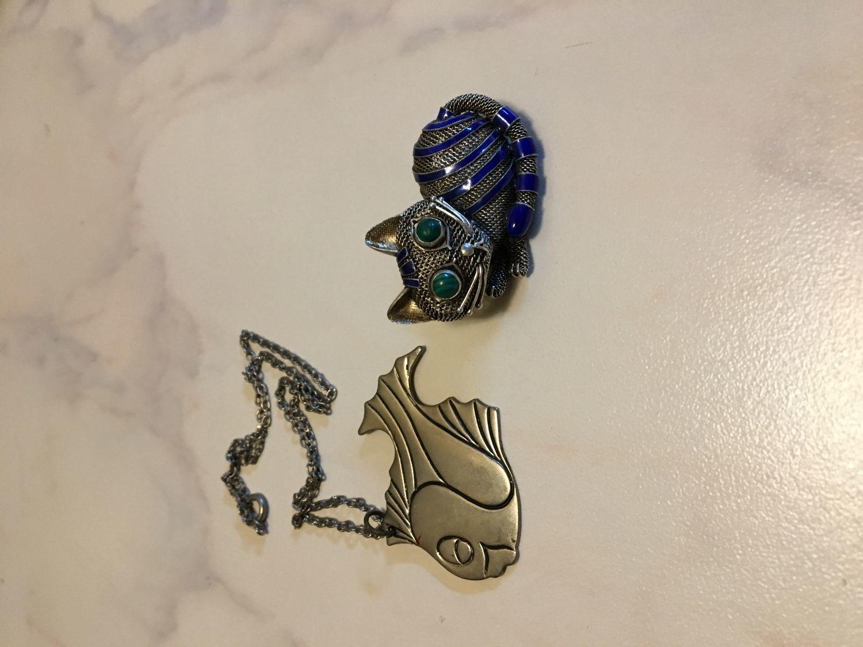 Фото №1 к отзыву покупателя Анна о товаре Винтаж: Серебряная брошь кошка