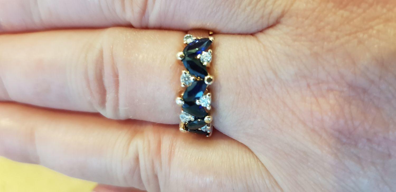 Фото №2 к отзыву покупателя Наталия о товаре Винтаж: Золотое кольцо  с бриллиантами и сапфирами