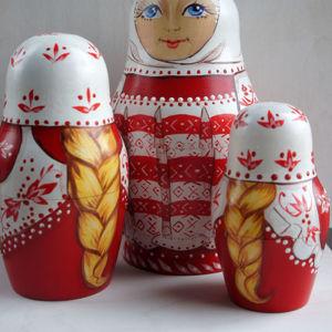 Матрешки сувенирные, русский костюм