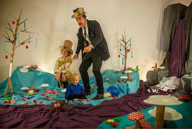 Что будет, если творческим людям дать много картонных коробок Лион Мэки и Лилли Лэнг — творческая семья киноманов, фото № 37