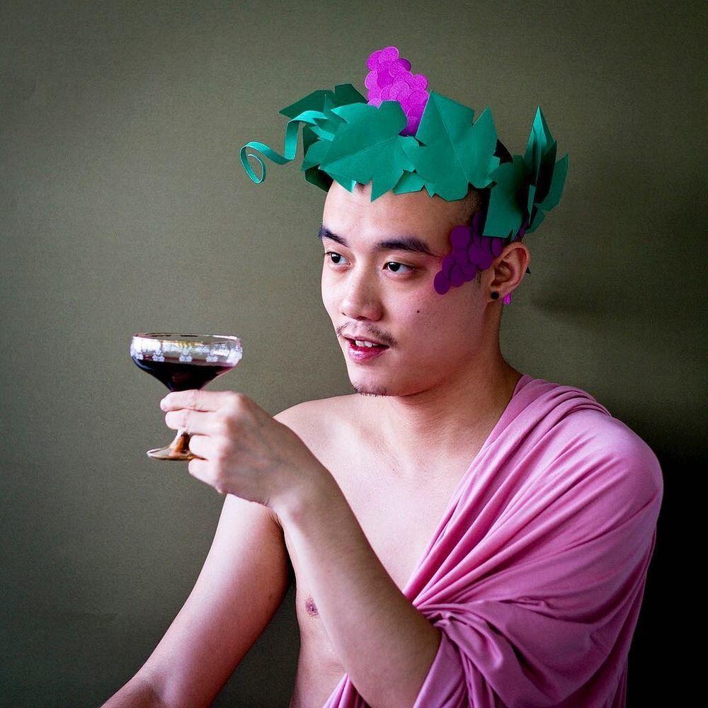 Повелитель бумаги inus ui создаёт маски и костюмы из цветного картона, фото № 16