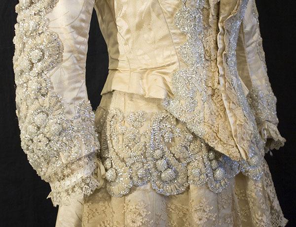 Атласное платье с вышивкой из бисера, 1888-1900, фото № 5