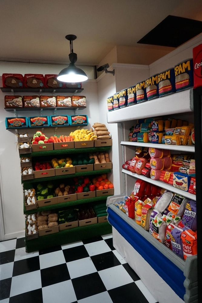 Lucy Sparrow's Supermarket: Felt Products & No GM Foods, фото № 29