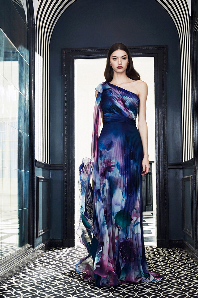 Drama Marquess: Fashion Collection Marchesa Notte Fall 2019, фото № 7