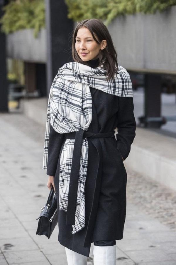 Простые способы ношения палантина в холодное время года, фото № 17