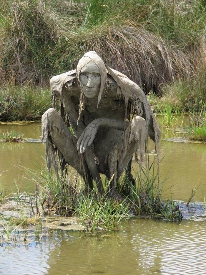 Скульптуры на природе. Пугающие и необычные, фото № 8