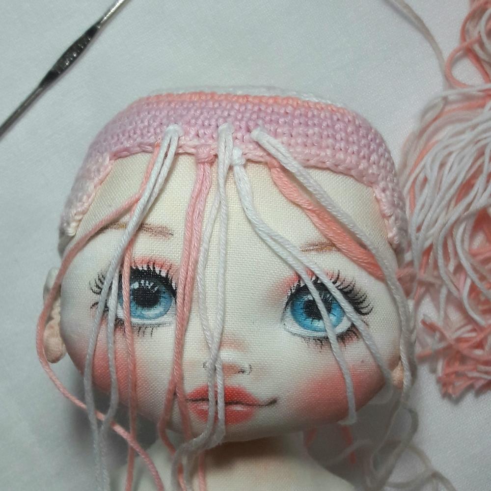 Делаем волосы из пряжи для куклы из ткани, фото № 10